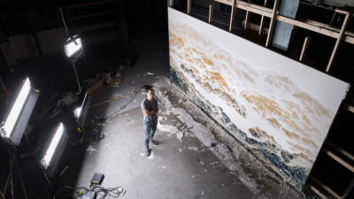 wu chi-tsung in his studio